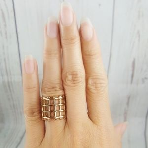 Jewelry - Gold Tone Grid Pattern Ring